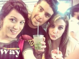 Selfie con amigos y Mojito
